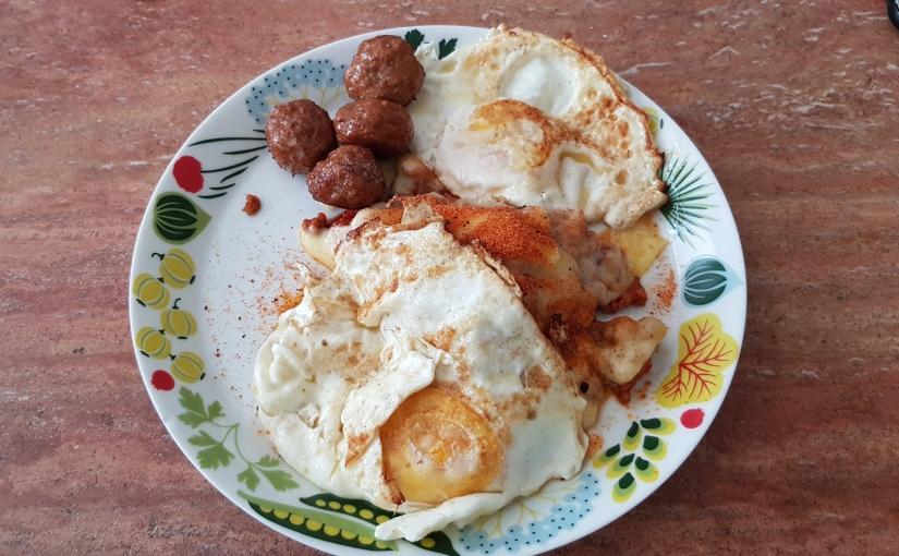 Ännu en stadig frukost och en soligmorgon.